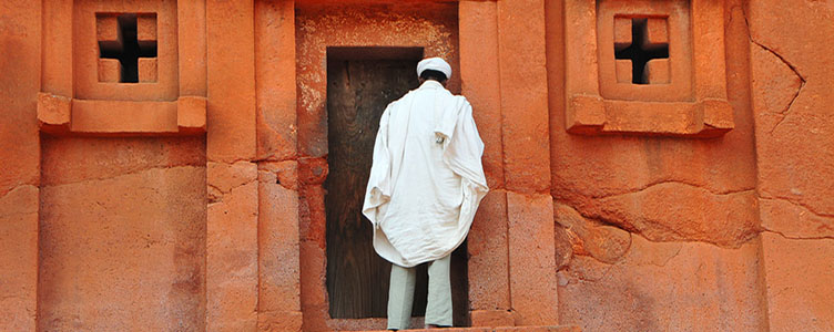 Dans les églises de Lalibela lors d'un voyage en Ethiopie