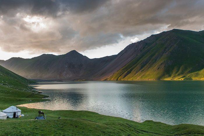 Voyage en Kirghizie et Ouzbekistan : Montagnes et Villes de Légende