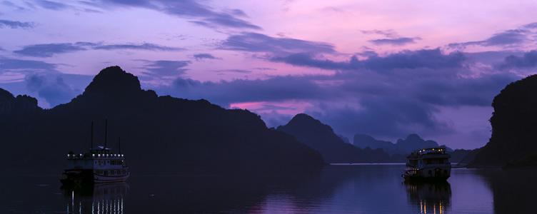 Lumière sur la baie d'Halong