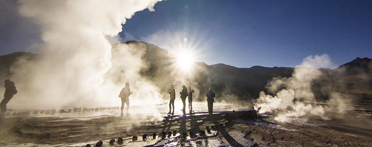 Geysers su Tatio dans la région de San Perdo de Atacama