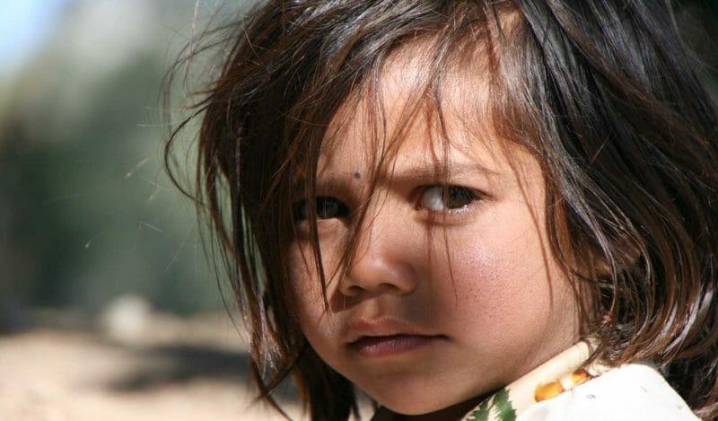 Portrait d'enfant lors d'un voyage en Inde avec Samsara