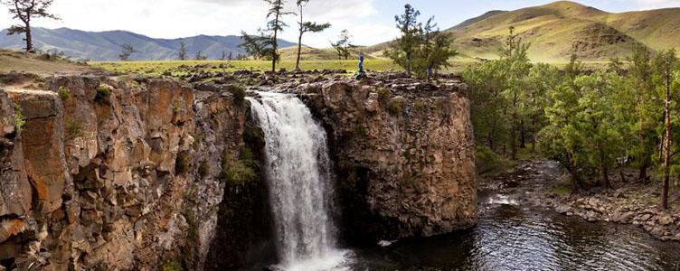 Chutes d'eau dans la vallée de l'Orkhon