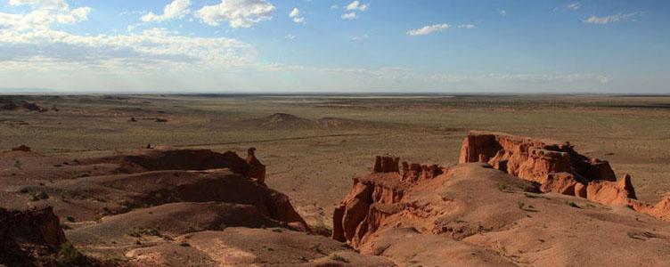 Falaise de Bayanzag dans le Gobi