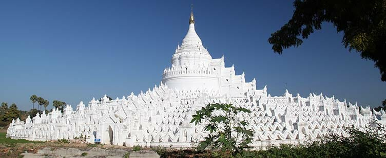 Pagode Hsinbyum à Mingun en Birmanie