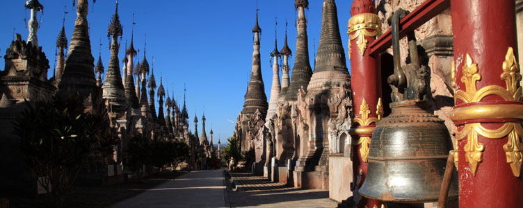 Balade dans les temples de Kakku