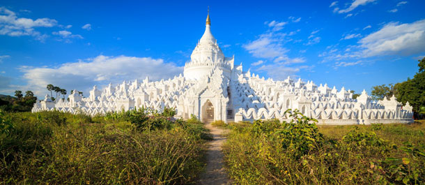 Temple à Mingun en Birmanie