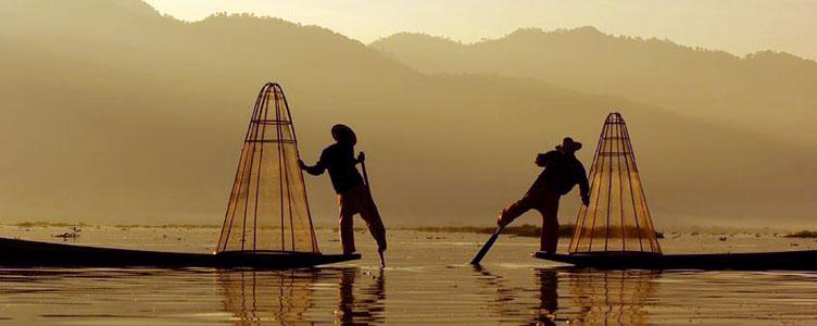 Pecheurs sur le lac Inle, Birmanie