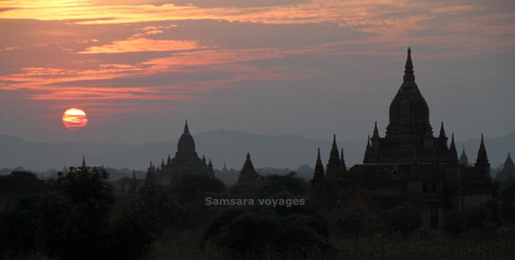 Coucher de soleil sur Bagan