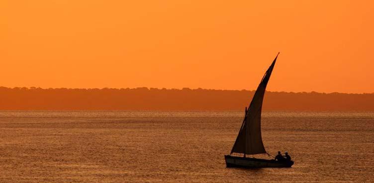 Coucher de soleil sur l'océan indien au Mozambique